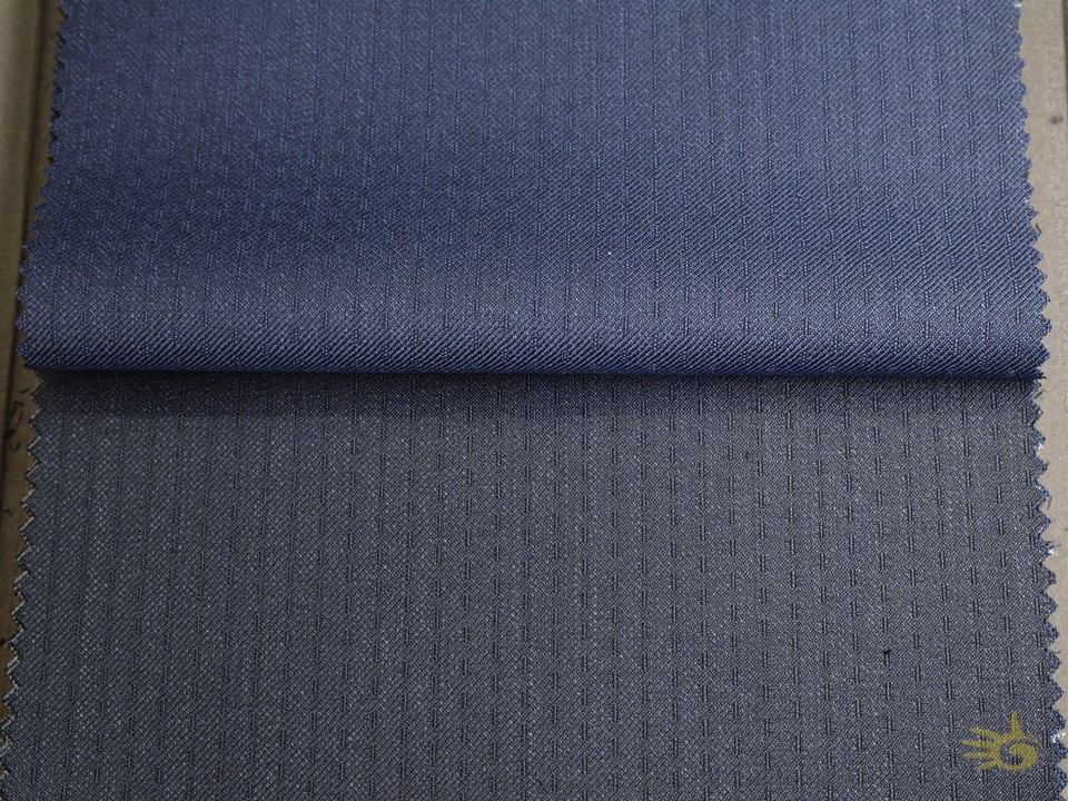 TRAVELLAER [ gr 250 - oz 8 ] 100% superfine Australian Wool